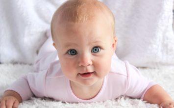 Razvoj vida kod beba u prvoj godini života