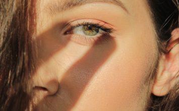 Bore oko očiju – riješite ih se i zategnite opuštenu kožu!