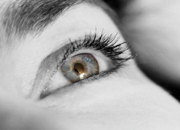 Iritacija očiju – što je uzrokuje i kako je izbjeći?