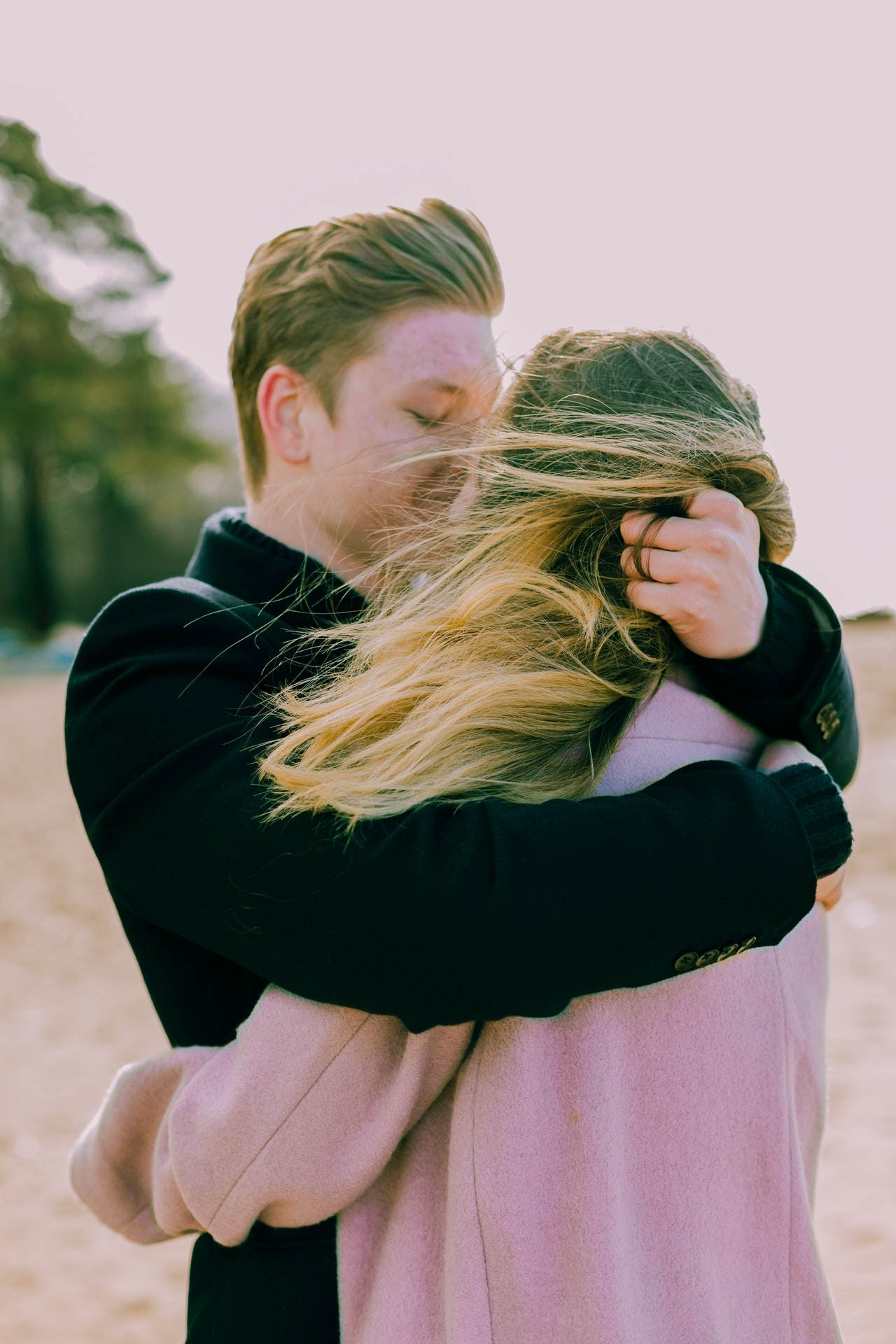 zašto zatvaramo oči dok se ljubimo